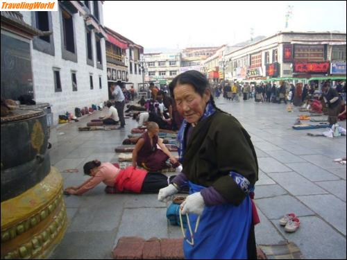 China: 10 j1 Am Jokhang Tempel /