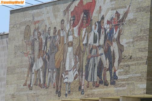 Albanien: Partisanen-Denkmal-nahe-Dur / Partisanen-Denkmal-nahe Durres.